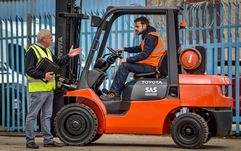forklift-driver-training