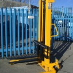 Manual Pedestrian Stacker 001